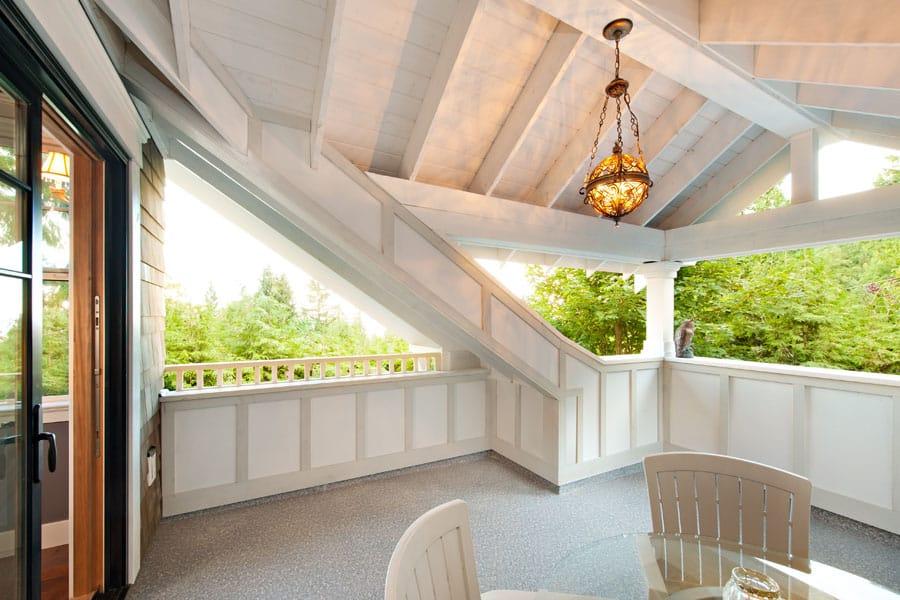 MountainRetreat balcony1
