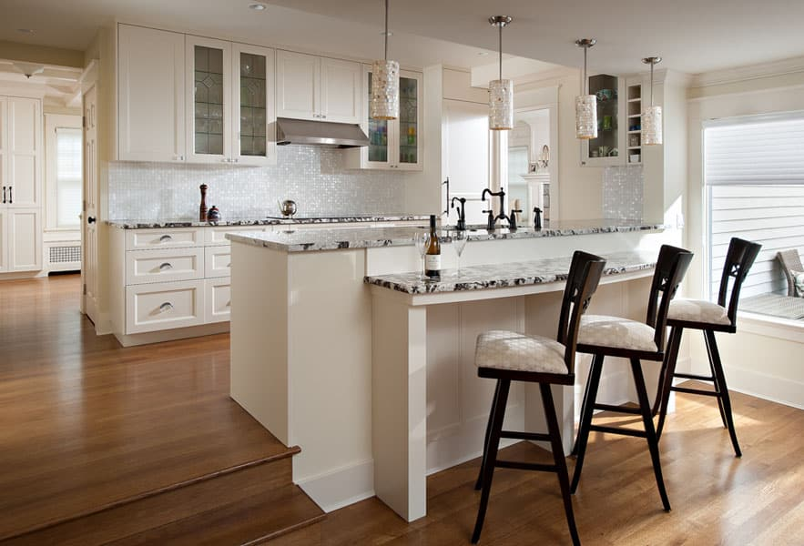 Beautiful Custom Kitchen with Breakfast Bar Queens - Shakespeare Homes North Vancouver West Vancouver Kitchens