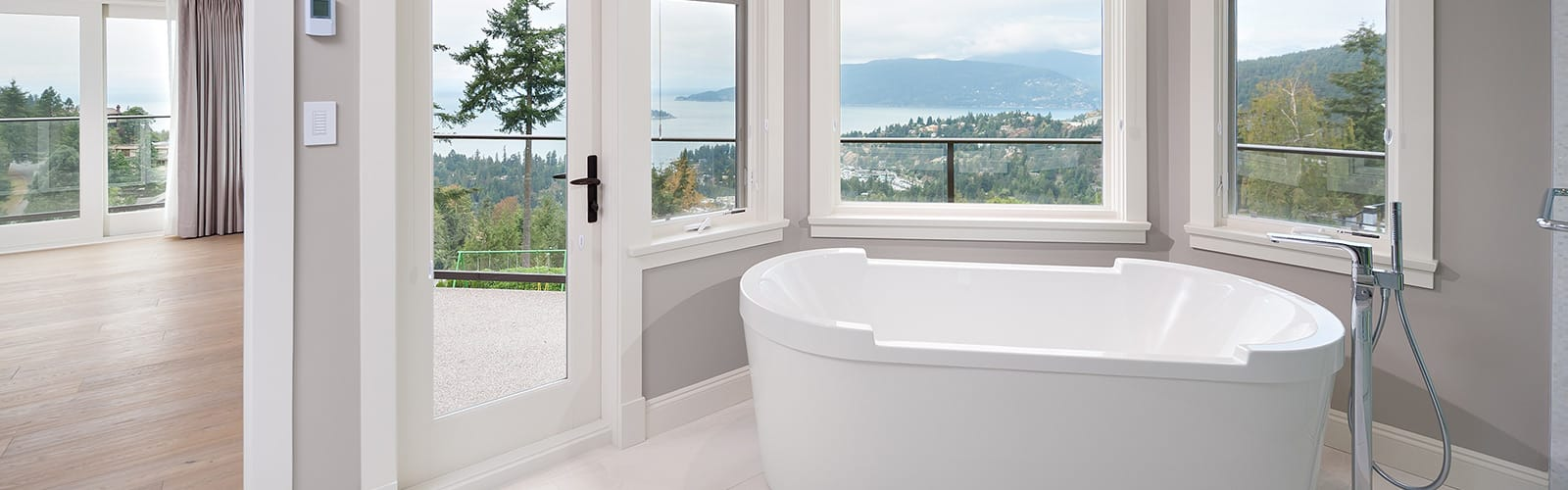Luxury bathroom renovation in white - Shakespeare homes Renovations